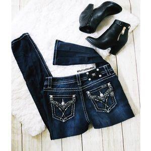 NWOT Dark washed miss me jeans ☕️